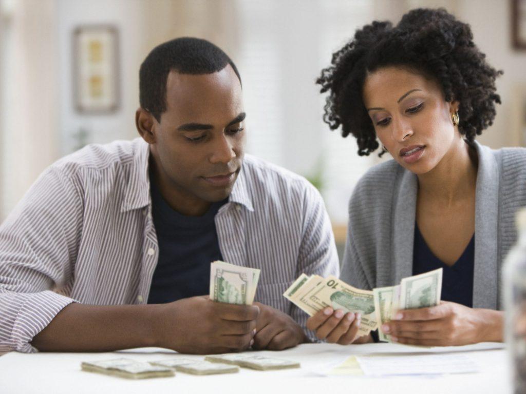 Προϋπολογισμός και κοινή χρήση δαπανών ως ζευγάρι με ξεχωριστούς λογαριασμούς