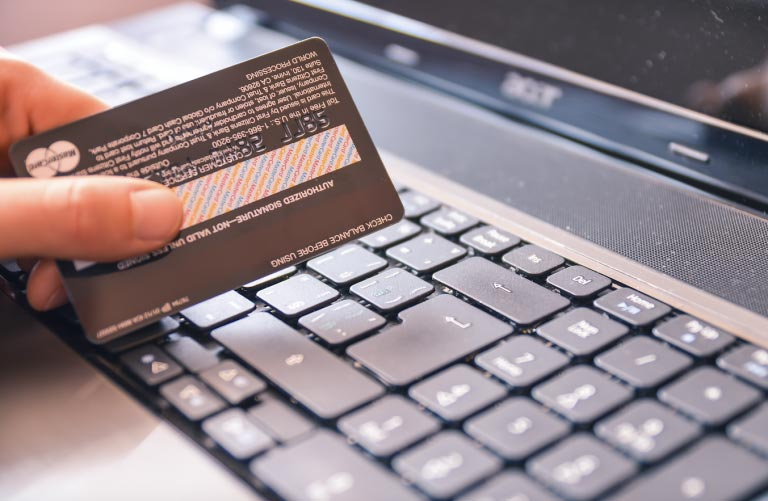 Personliga lån kontra kreditkort: Hur de jämför