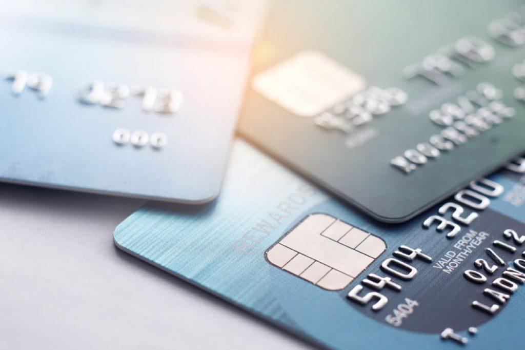 Sollten Sie eine Kreditkarte bekommen?