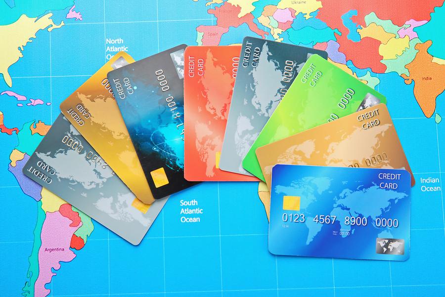 Ποιος είναι ο καλύτερος τρόπος σύγκρισης πιστωτικών καρτών ταξιδιού;