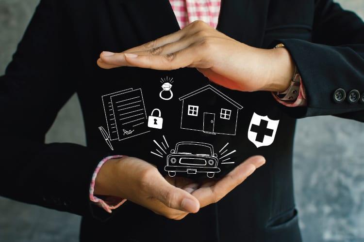 5 tipuri de asigurări pe care ar trebui să le aibă toată lumea